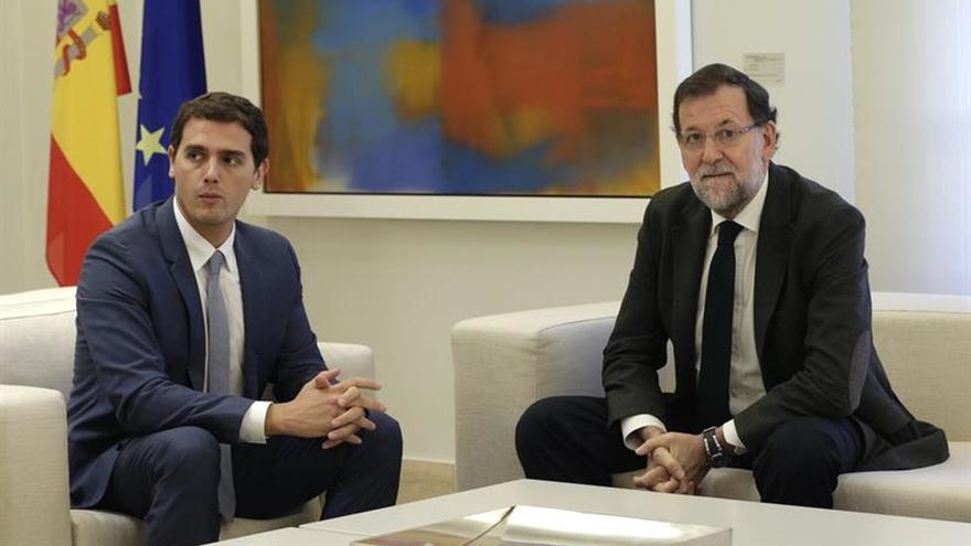 Rajoy se reúne hoy con Rivera e Iglesias en el Congreso