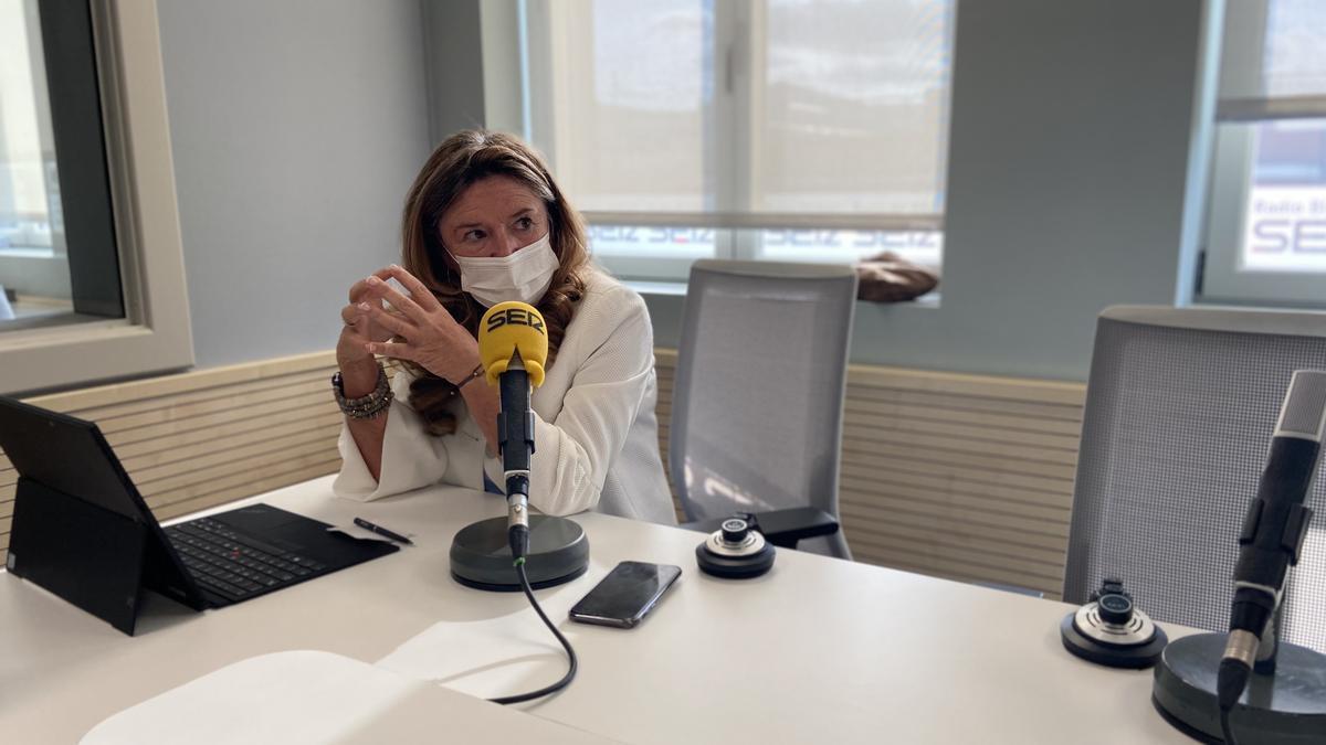 La consejera de Salud, Gotzone Sagardui, en la entrevista con la Cadena Ser