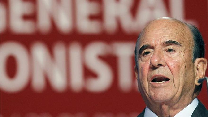 El Santander ganó 2.205 millones en 2012, el 59 por ciento menos, por las provisiones