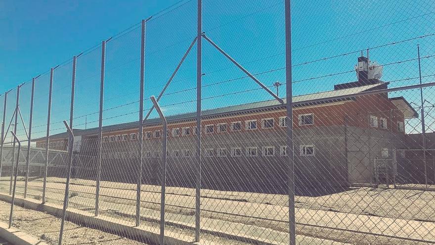 El PSOE denuncia que los funcionarios de prisiones han sufrido de media una agresión al día en los últimos dos años
