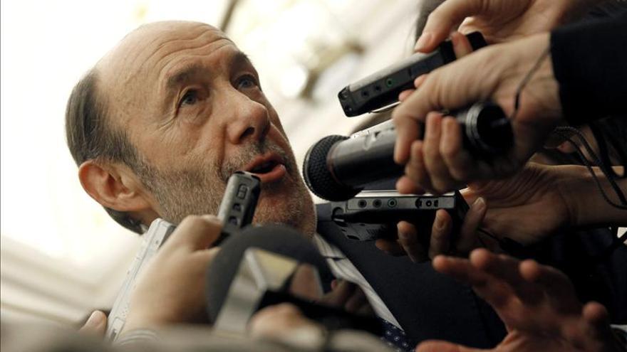 Rubalcaba subraya la incapacidad de Botella durante la huelga y sus falacias