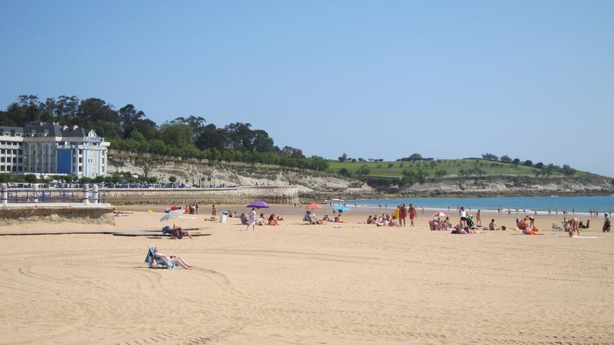 A información pública la construcción de los espigones contra la erosión en la Segunda Playa