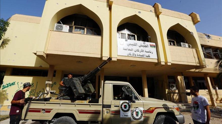 Mlicias islamistas ganan espacio y confianza popular en el oeste de Libia