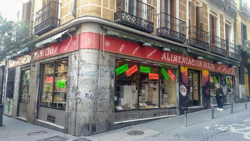 Alimentación Nieto, en la esquina de Corredera Alta de San Pablo con calle Palma | SOMOS MALASAÑA