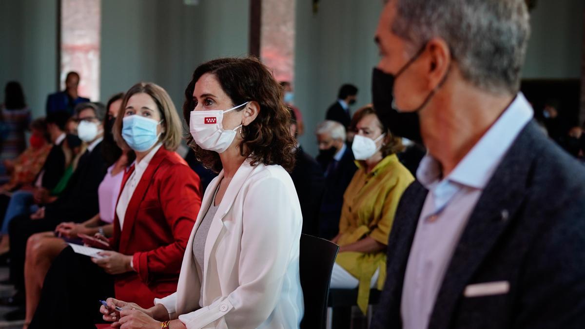 Toni Cantó junto a Isabel Díaz Ayuso en la presentación de la Oficina del Español este viernes en el Círculo de Bellas Artes.