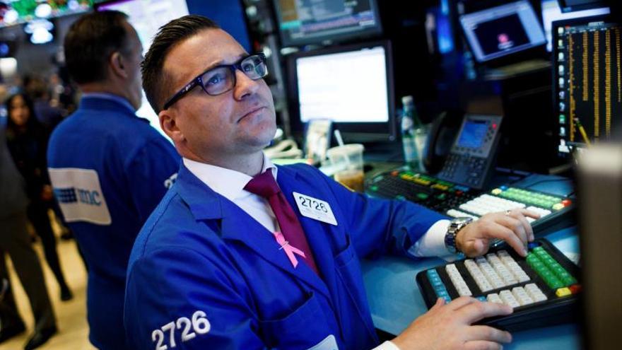 Wall Street cierra al alza con nuevo récord en el S&P