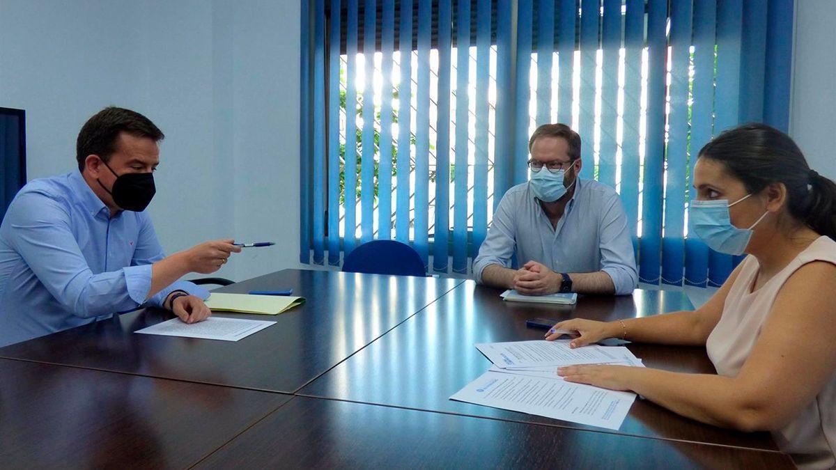 Jurado y Molina con Fernández en la sede del PP.