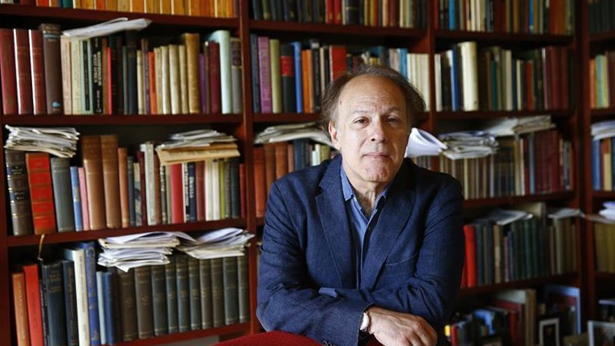 El escritor Javier Marías compartirá premio con Harry Belafonte en Nueva York