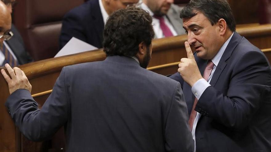 """El PNV avisa que o """"cesa la leña"""" al País Vasco o no negociará los presupuestos"""