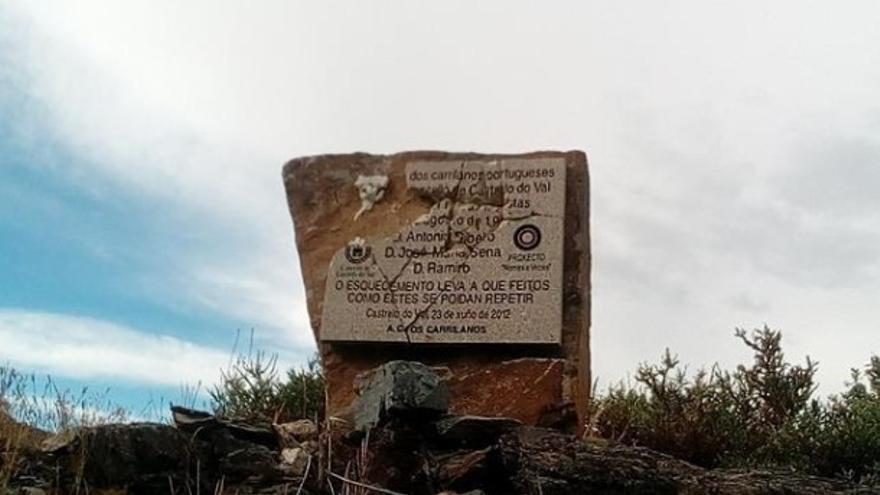 Aspecto del monumento tras ser atacado