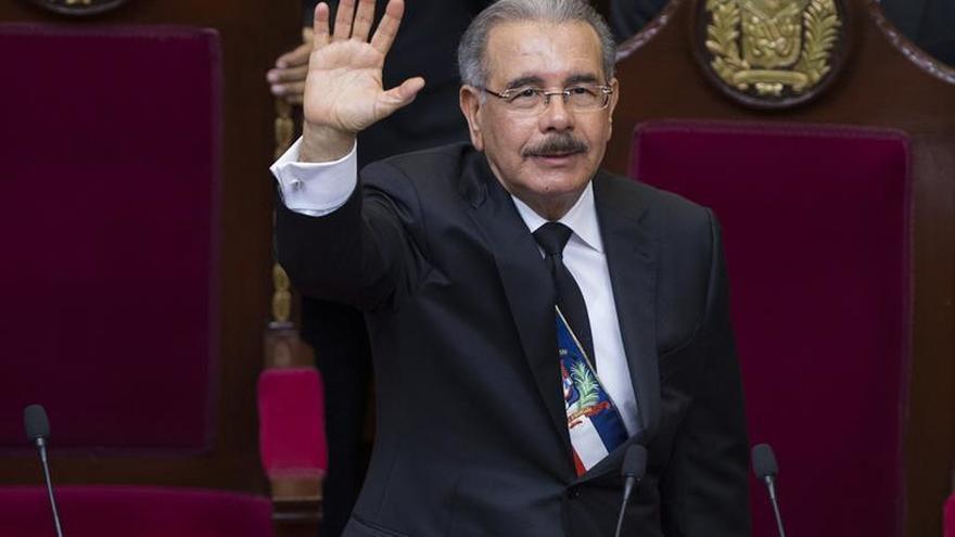 El presidente de República Dominicana conversa con el de Haití sobre situación tras seísmo
