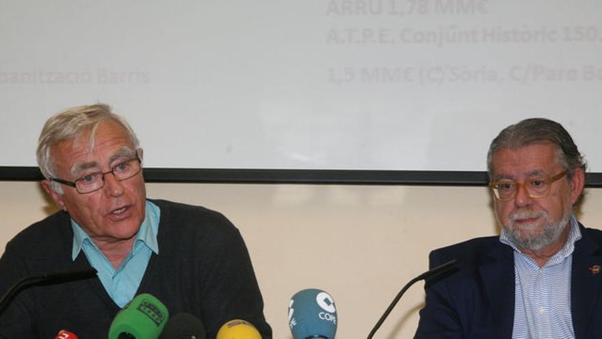 El alcalde de Valencia, Joan Ribó (izquierda), junto al edil de Hacienda, Ramón Vilar