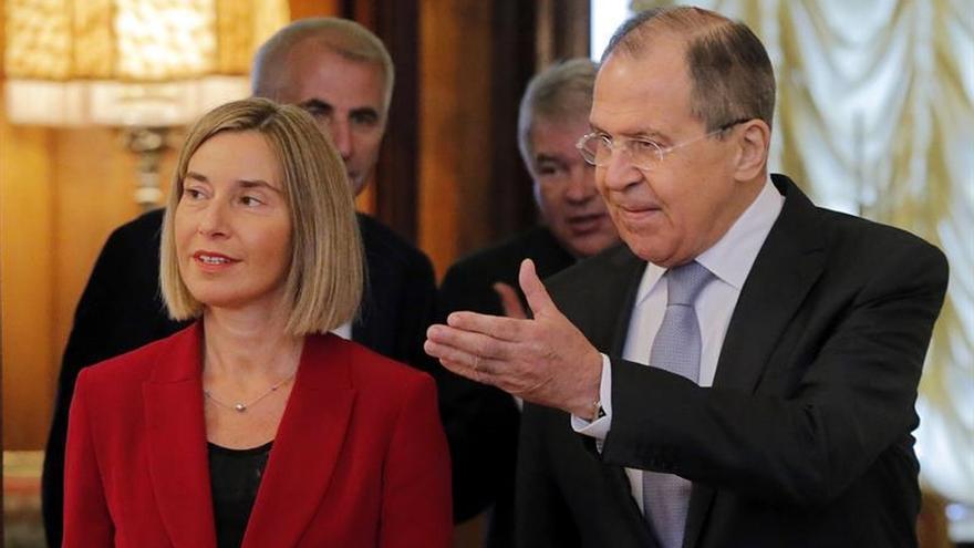 """Mogherini dice que las relaciones entre Rusia y la UE """"no están congeladas"""""""