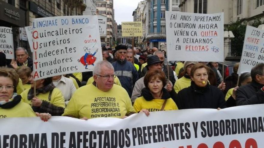 Manifestación de los afectados por las preferentes en A Coruña