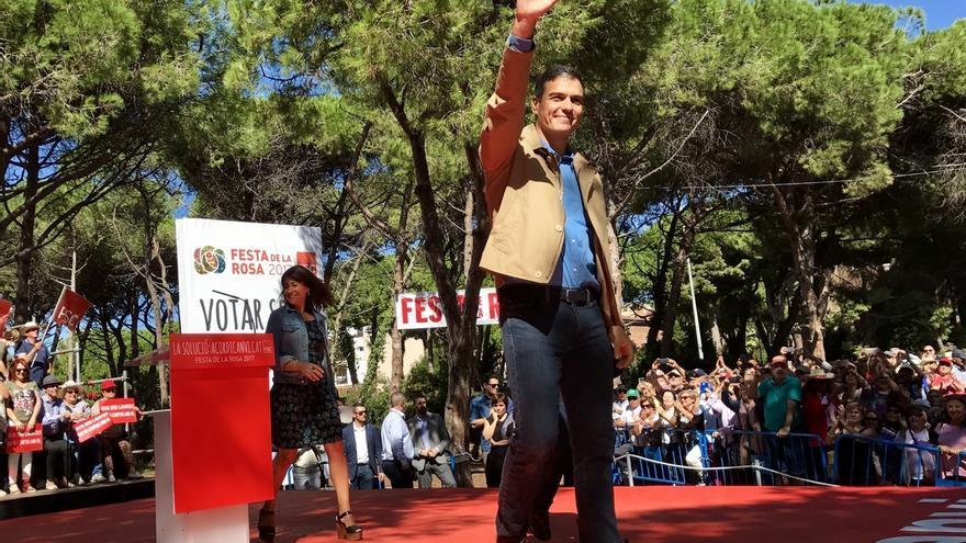 Pedro Sánchez dice que apoyará a Rajoy pero le reprocha que no haya dialogado antes
