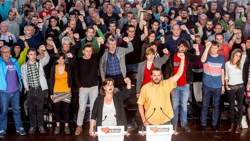 """La izquierda abertzale renueva su estrategia por una """"república vasca libre"""""""