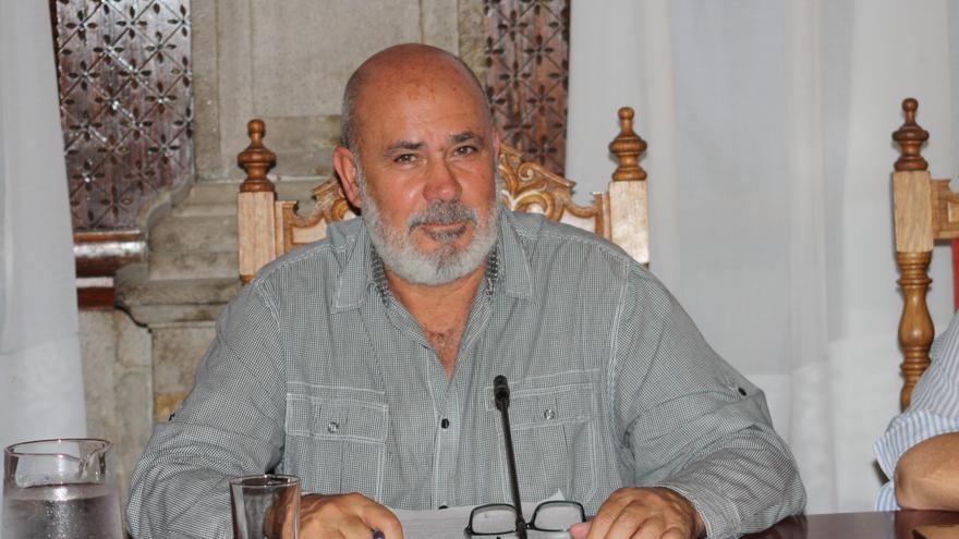 Julio Felipe.
