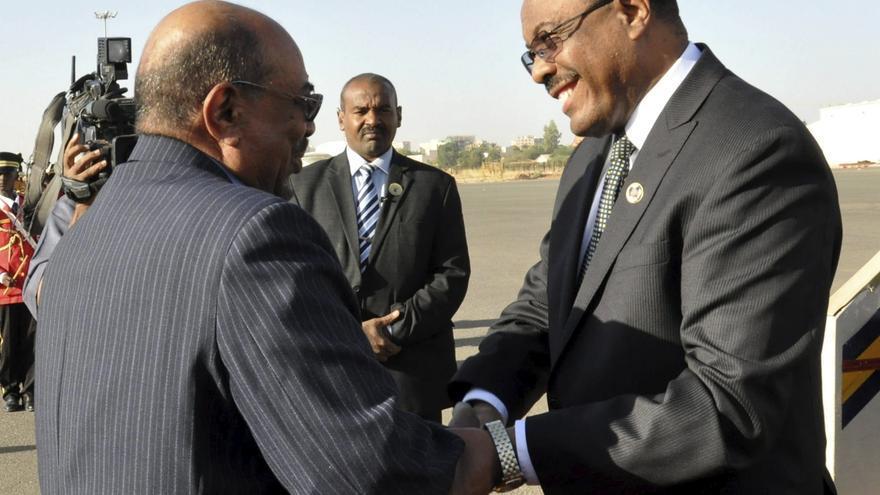 Bashir llama a todos los partidos y grupos armados a elaborar una nueva Constitución