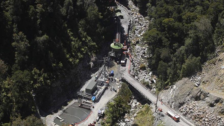 Empresa prohíbe la entrada a la mina Pike River por temor a otro accidente