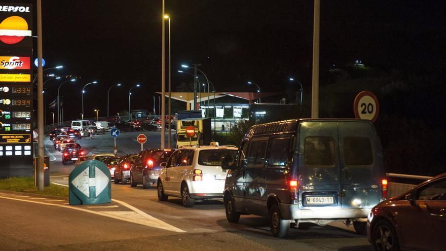 Comienza la huelga indefinida en un centenar de gasolineras de Vizcaya