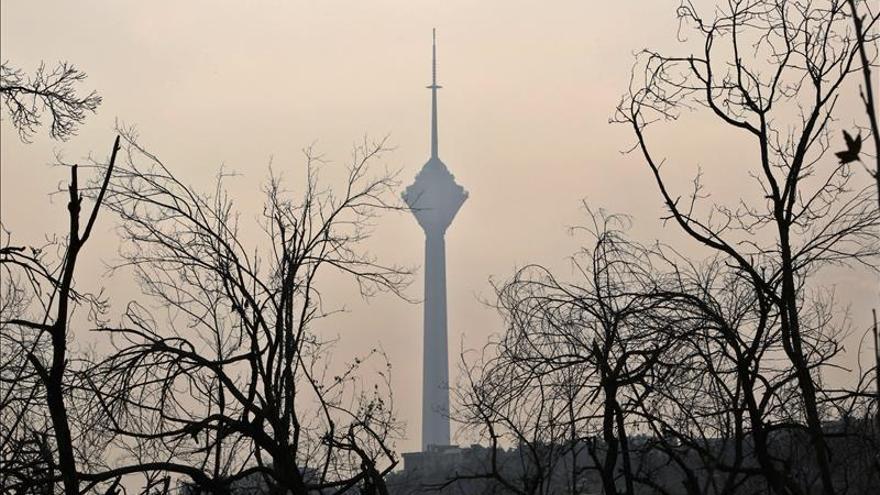La fuerte contaminación de Teherán paraliza las escuelas por tercer día