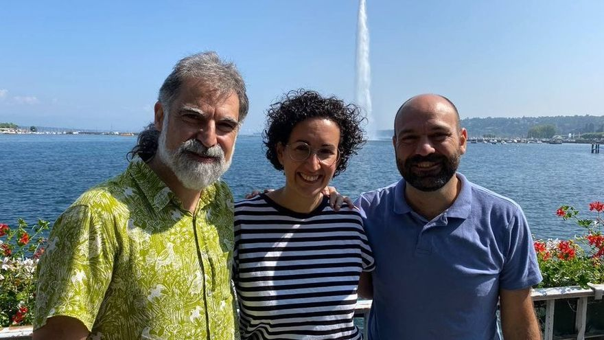 El presidente de Òmnium Cultural, Jordi Cuixart, y el vicepresidente de la entidad, Marcel Mauri, se reúnen con la secretaria general de ERC, Marta Rovira, en Ginebra (Suiza)