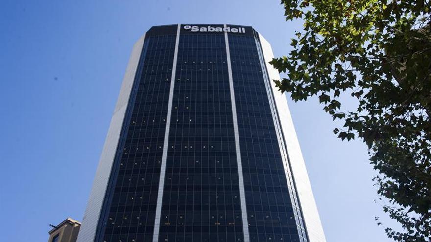 Más de 2.440 empresas han salido ya de Cataluña pero el ritmo sigue a la baja