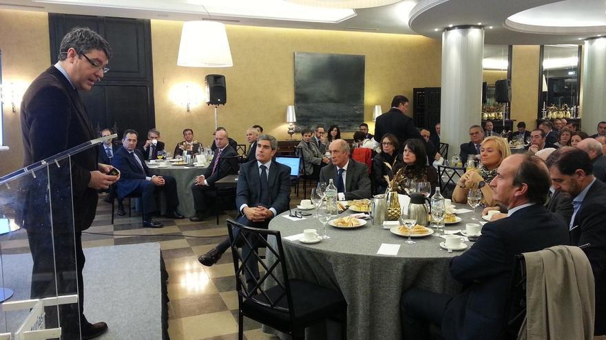 Nadal reprocha a Sánchez que interrumpiese en el debate a Rajoy cuando hablaba de economía