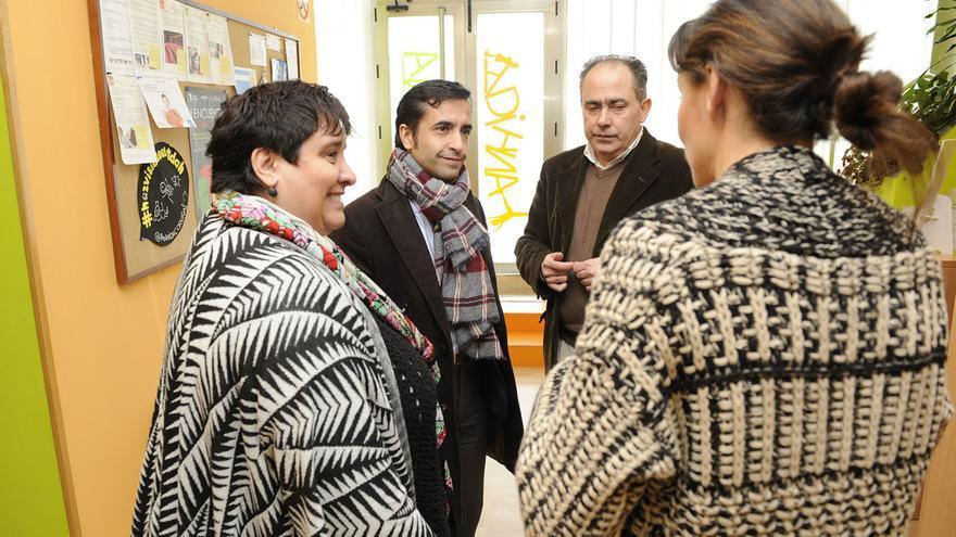 El conselleiro de Política Social (izquierda) y el director de Inclusión, en una imagen de archivo