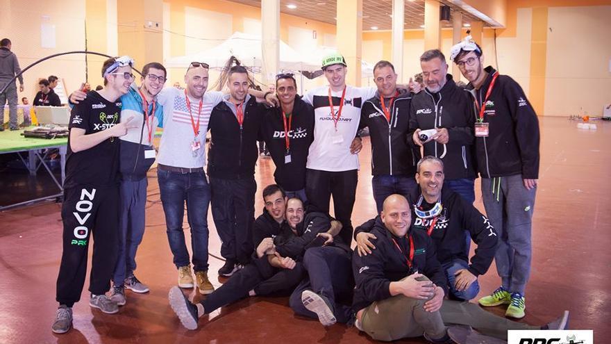 El equipo de Drones de Carreras, una comunidad de pilotos que ha crecido muy rápido