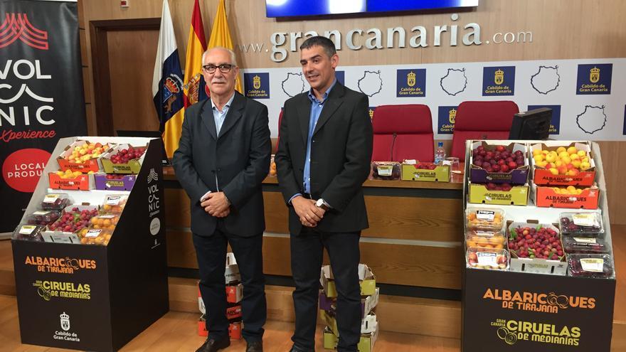 El consejero de Soberanía Alimentaria del Cabildo de Gran Canaria, Miguel Hidalgo, y el consejero de Agricultura del Gobierno de Canarias.