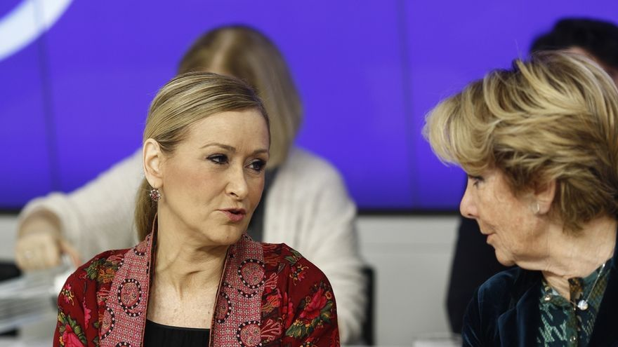 """Cifuentes defiende su labor para """"desatascar"""" el PP de Madrid tras la """"deserción"""" de Aguirre"""