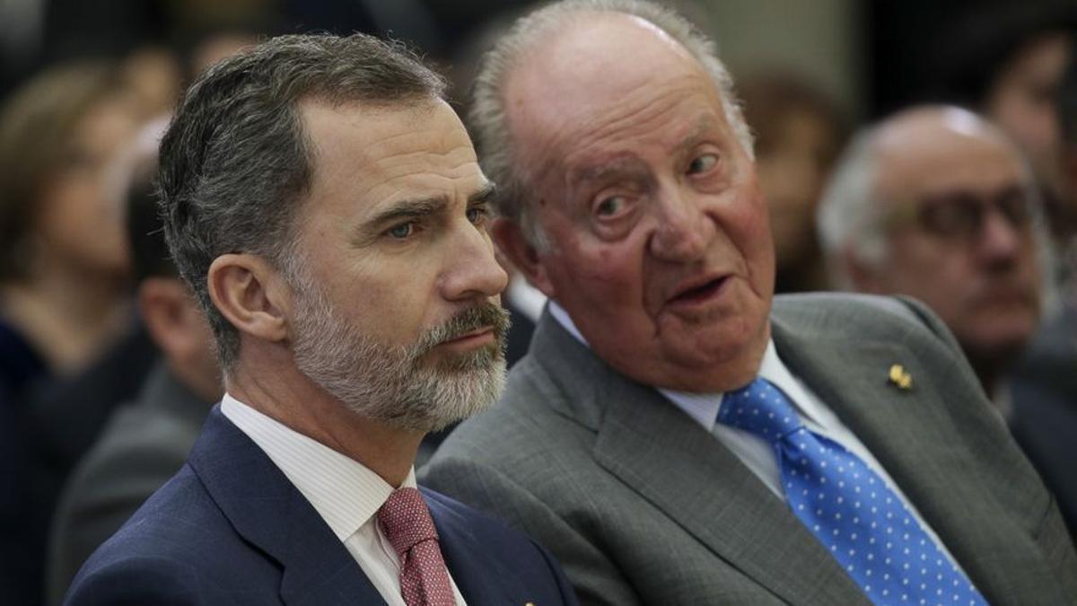 Felipe VI y Juan Carlos I en una imagen de archivo
