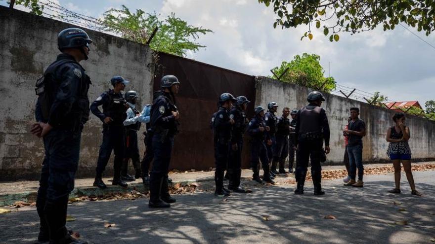 Sube a 29 el número de muertos por un motín carcelario en Venezuela