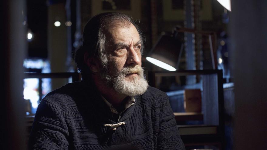 El actor Ramón Barea en un instante de la entrevista./Foto:eldiarionorte.es