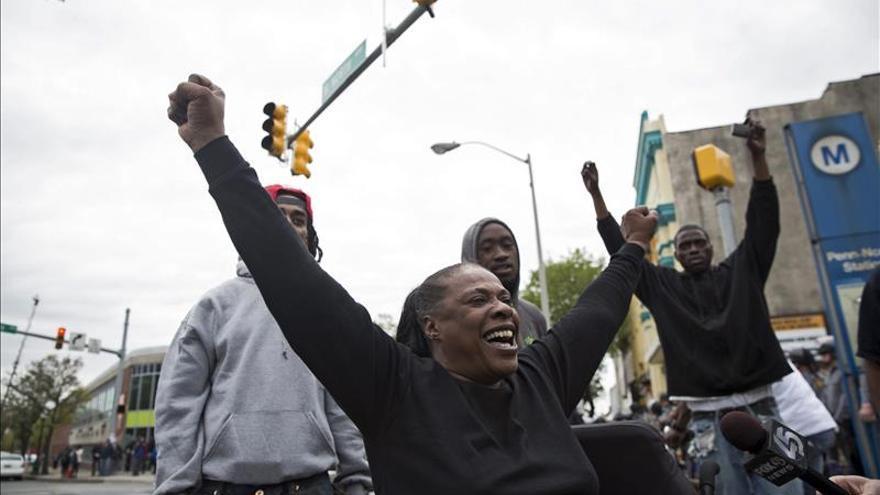 Empieza entre protestas el primer juicio por la muerte de un negro en Baltimore (EE.UU.)