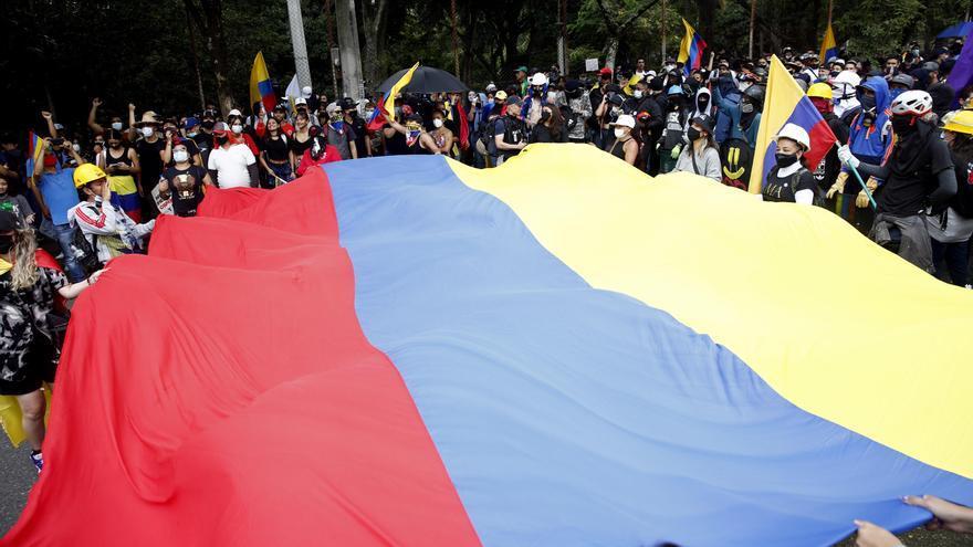 Las protestas en Colombia cumplen un mes enturbiadas por la violencia