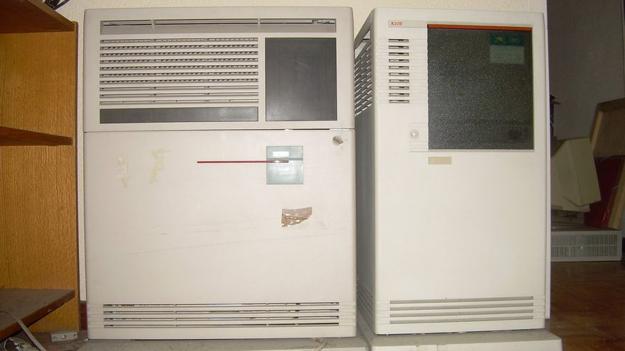 Máquina DEC 4000/600 usada en la RedIRIS para gestionar dominios .es y denominada Groucho (Imagen: Museum of Computers)