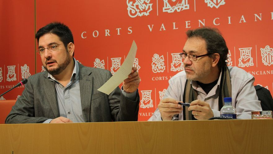 Los diputados autonómicos de EU Ignacio Blanco y Lluís Torró en rueda de prensa