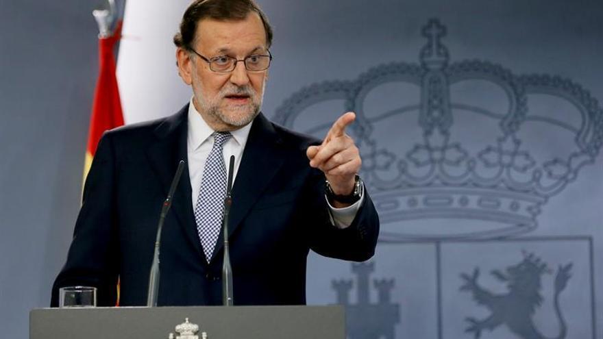 Rajoy inicia una semana clave mientras PSOE y C's se aferran a sus posiciones