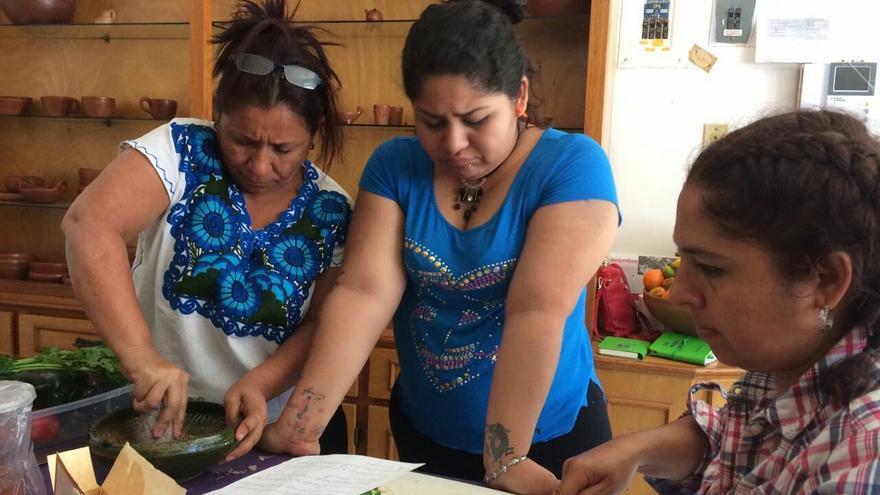 Algunas de las activistas participando en una de las actividades en Casa La Serena.