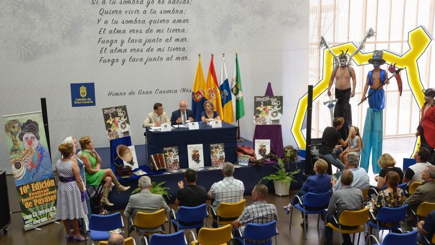 Presentación de la Fiesta del Perro Maldito, con la presencia del alcalde de Valsequillo, Francisco Atta, y el presidente de Cabildo de Gran Canaria, Antonio Morales.