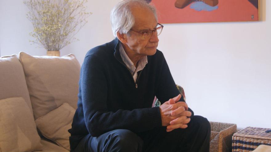 Andrés Rábago durante un momento de la entrevista.  