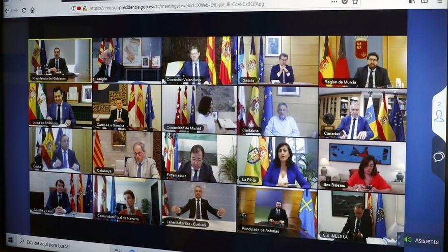 Una de las videoconferencias de los presidentes autonómicos con Pedro Sánchez.