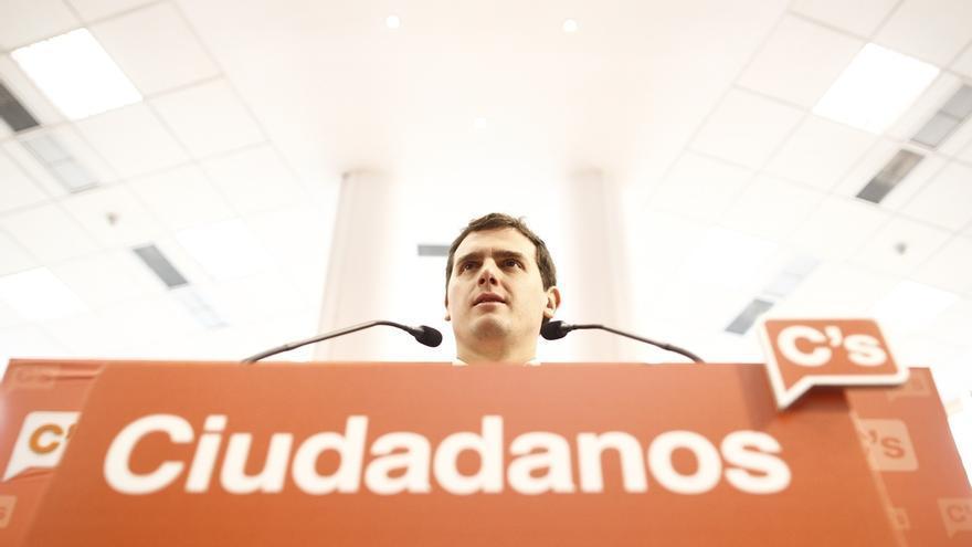 Albert Rivera condiciona un acuerdo con el PSOE a una reforma exprés de la Constitución para la regeneración democrática