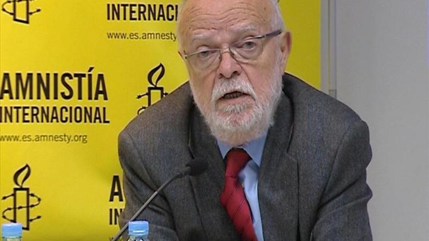 Martín Pallín ve desproporcionado pedir ADN de acusados de colocar ikurriña