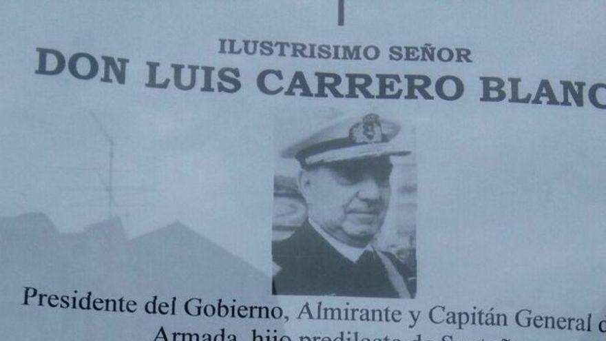 Esquela en homenaje a Luis Carrero Blanco en Santoña.