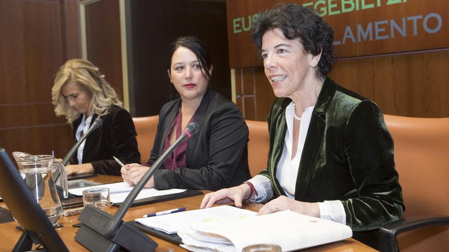 """Celaá """"jamás"""" intuyó un pacto para encarecer el servicio de comedores en Euskadi cuando era consejera"""