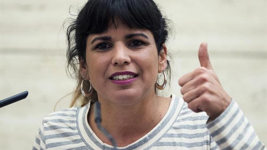 Teresa Rodríguez pide a Díaz que abandone la Junta si es candidata del PSOE
