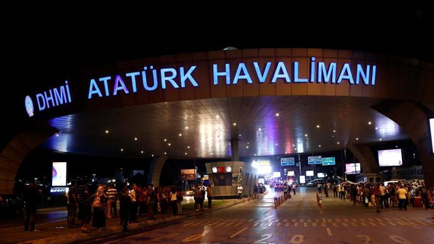 Al menos 10 muertos en un atentado contra el mayor aeropuerto de Estambul